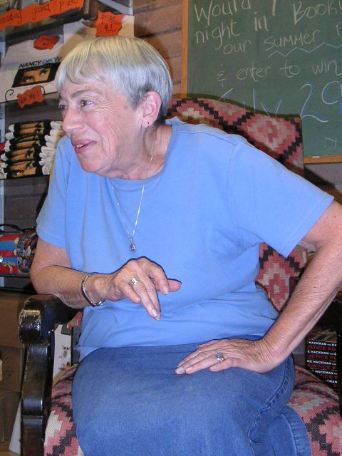 Ursula K. Le Guin, 2004. Bildquelle: by Hajor, 15.Jul.2004. Wikipedia / Lizenz: cc.by.sa and/or GFDL.