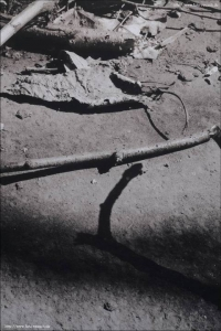 Verlassener Schuppen 44 - Carbongraustufendruck